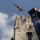 Red Bull Cliff Diving World Series 2013: Gardasee.  Foto: Dean Treml/Red Bull Content Pool