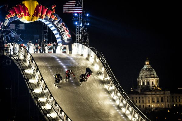 Red Bull Crashed Ice Saint Paul 2014. Foto: Joerg Mitter/Red Bull Content Pool
