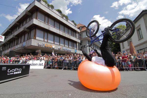Danny MacAskill beim Ballflip. Foto: Veranstalter